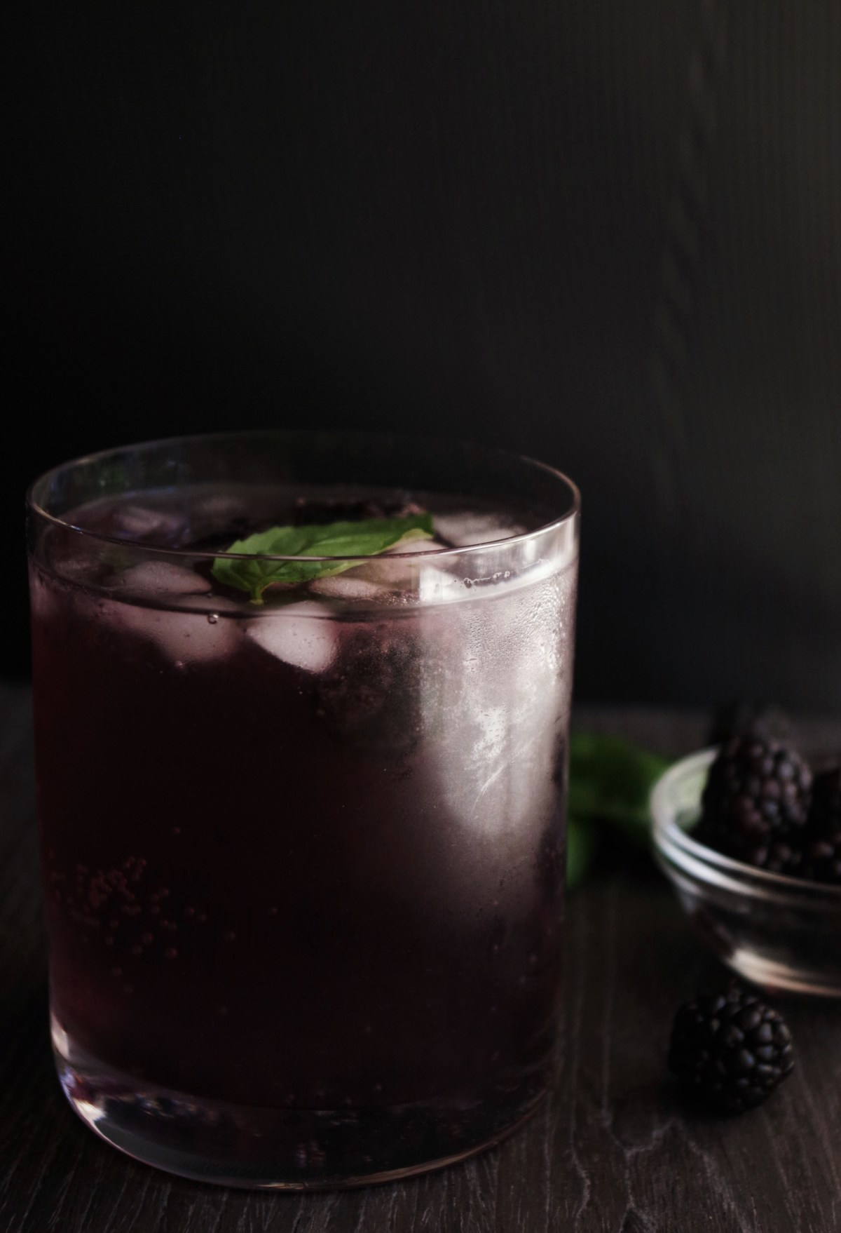 Blackberry gin fizz – Fresh Urban Kitchen